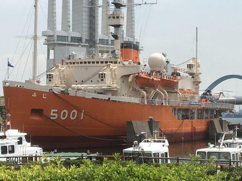 南極観測船jふじ